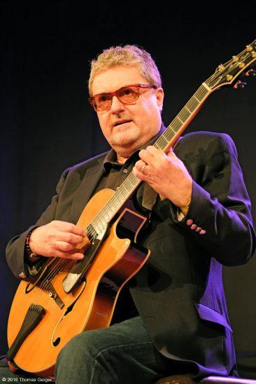 Blues & Jazz Guitar Night - Martin Taylor
